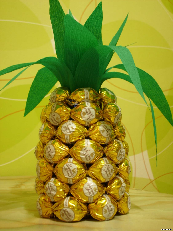 Поделки ананас из шампанского и конфет